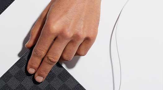 Bruno Tyzio - mannequin détail mains - presse et publicité